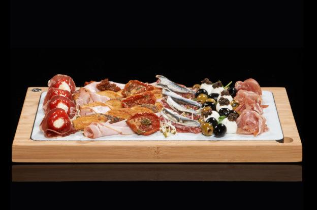 The SteakStones Glazed Lava Plate in White - perfect for Antipasti