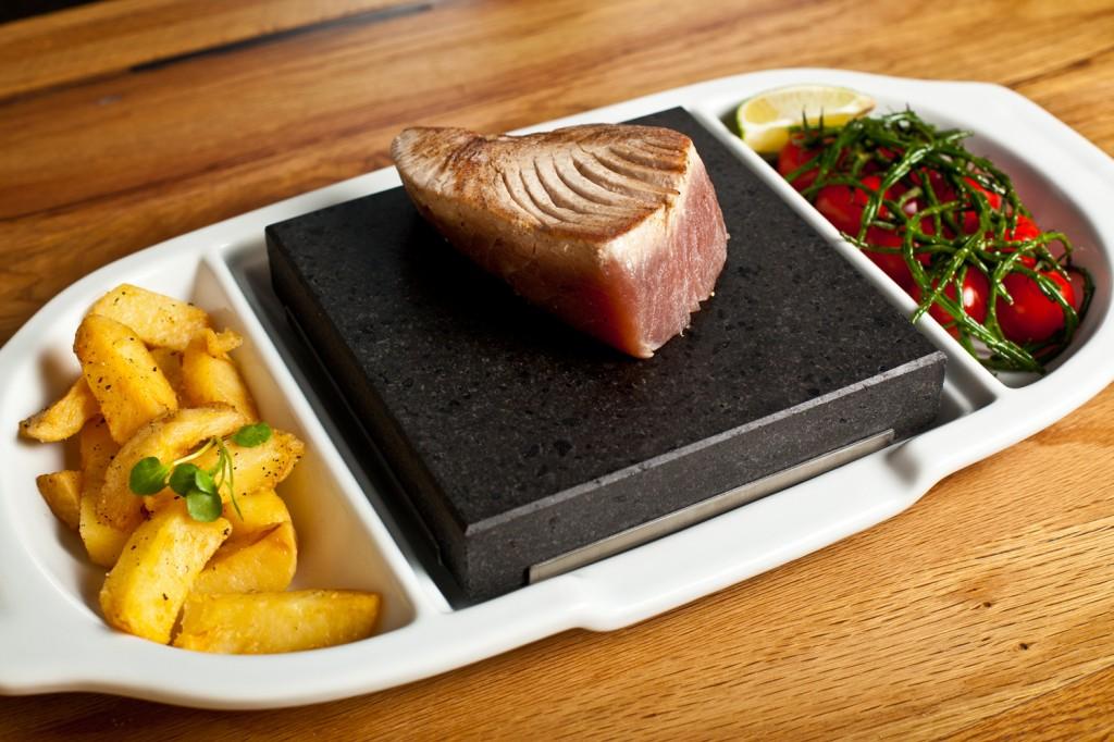 Tuna Steak on the SteakStones Ceramic Double Platter
