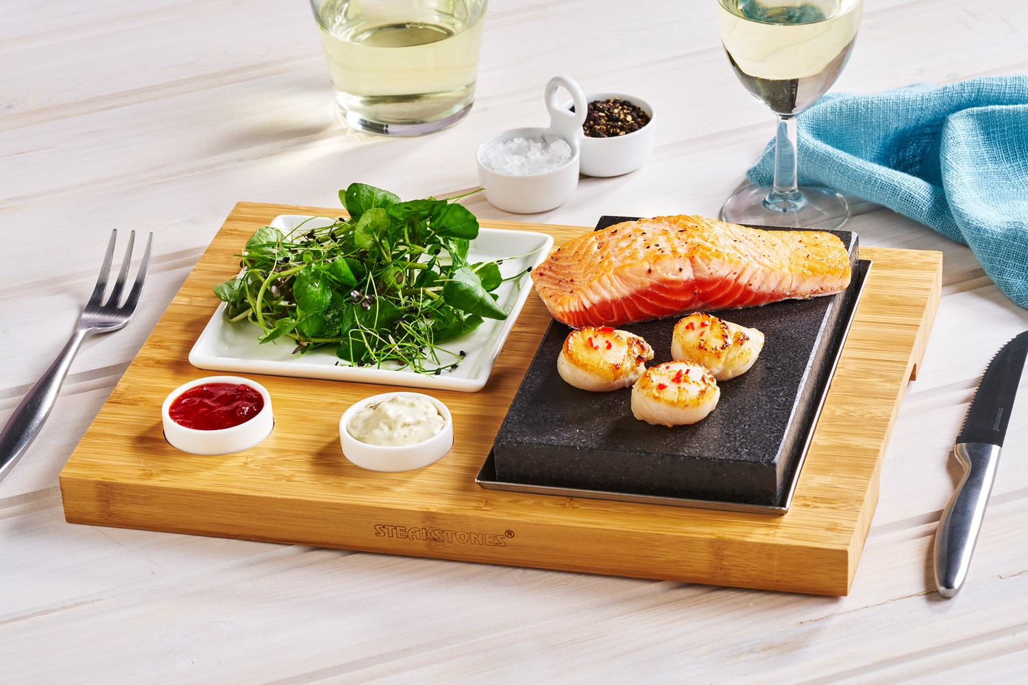 Salmon & Scallops with a Salad Side, Tartare and Chilli Dips